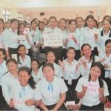 カンボジア・プノンペンの寄宿舎の少女たち